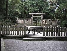 後醍醐天皇御陵          如意輪寺の裏山、塔の尾