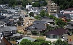7月10日の榎川周辺 氾濫し赤茶に染まる