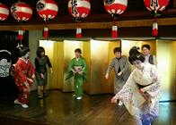 円山芸妓の舞、歌も予定。