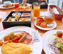 朝食も充実。