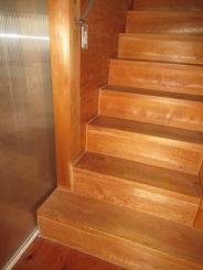今となっては、なぜ踏み外したかわからない階段。