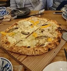 地元の食材を使ったピザは絶品。