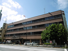 本富士警察署の建物