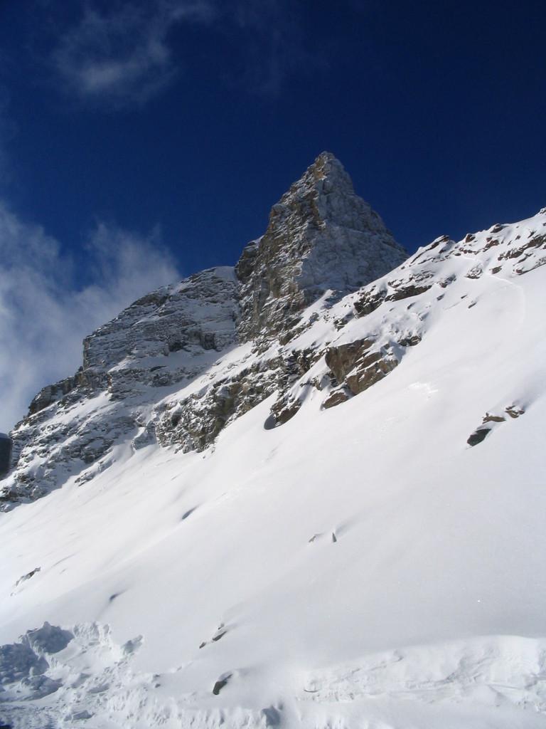 Das Hockenhorn ist ein 3'293 m hoher Gipfel nördlich des Lötschentals an der Grenze zwischen den Kantonen Bern und Wallis in der Schweiz.