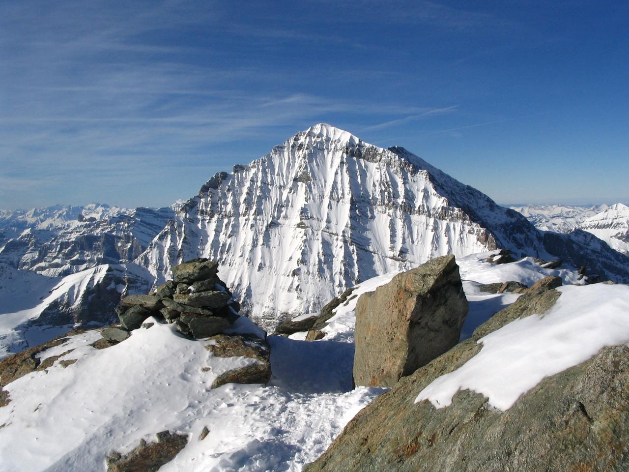 Das Balmhorn ist mit einer Höhe von 3'698 der höchste Berg in der nach ihm benannten Balmhorngruppe in den westlichen Berner Alpen