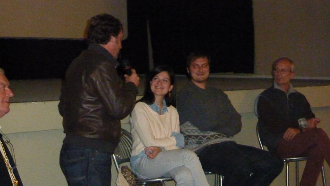 vicesindaco di Bobbio Michele Frassinelli accoglie il regista Marco Bonfanti e la Produttrice Anna Godano