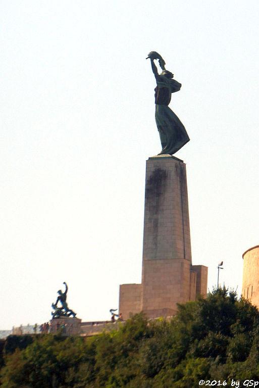 Freiheitstatue vor der Zitadelle auf dem Gellertberg