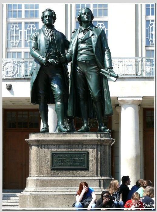 Schiller-Goethe-Denkmal