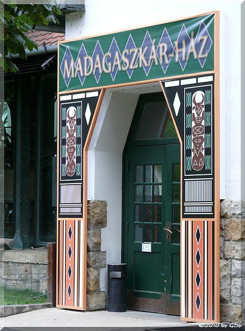 P2440308 Madagaskar-Haus
