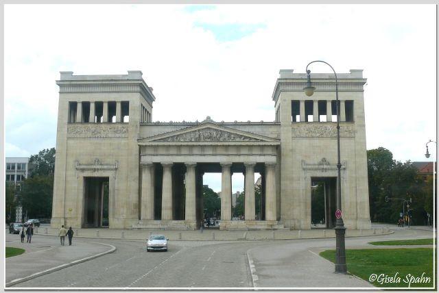 Die Propyläen am Königsplatz