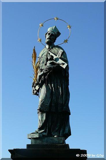 Statue des Heiligen Johannes von Nepomuk auf der Karlsbrücke