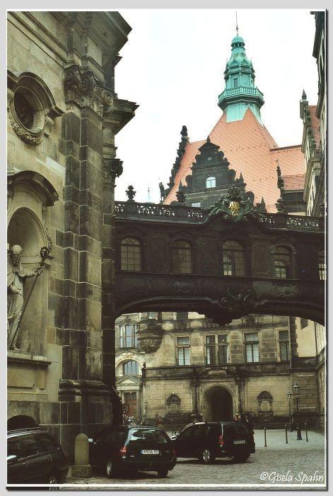 Übergang vom Schloss zur Kathedrale