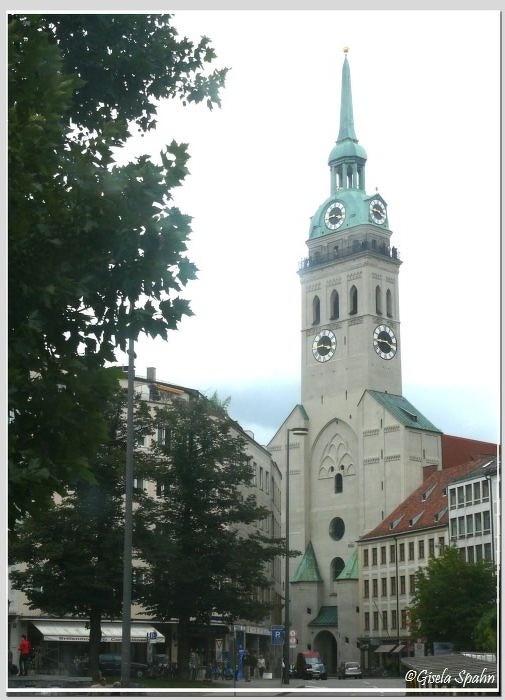 Pfarrkirche St. Peter am Petersplatz (älteste Pfarrkirche Münchens)