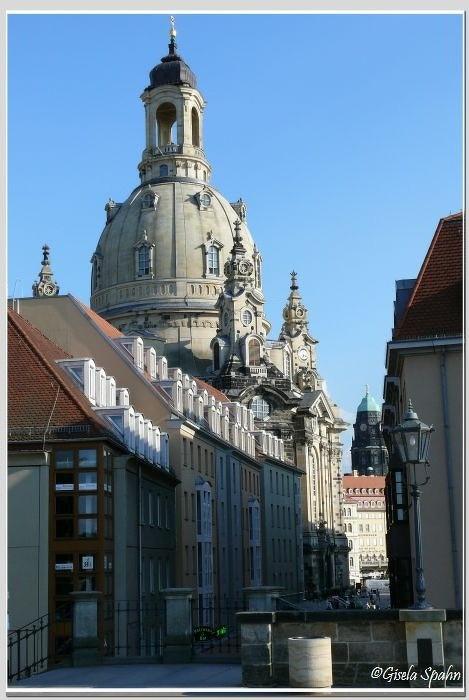 Blick von der Brühlschen Terrasse zum Neumarkt mit der Frauenkirche