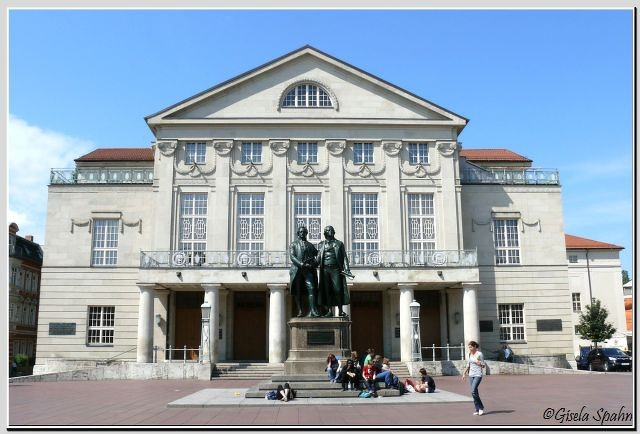 Deutsches Nationaltheater Weimar, Schiller-Goethe-Denkmal