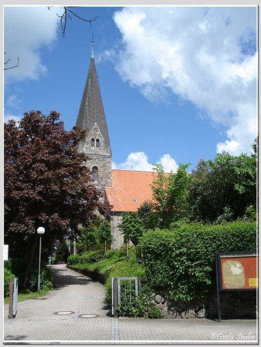 Eckernförde-Borby: Die spätgotische Nikolaikirche, erbaut 1150 - 1180