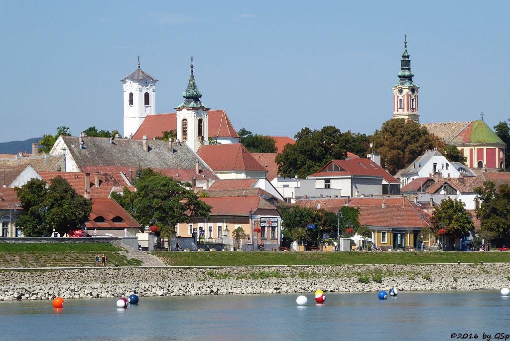 links Röm.-Katholische Kirche, Mitte: Serbisch-orthodoxe Mariä-Verkündigungskirche, rechts: Serbisch-orthodoxe Belgradkathedrale