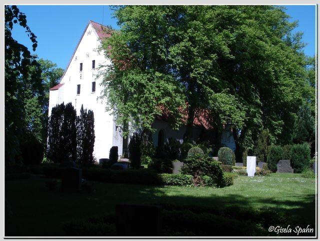 Die Kirche in Sieseby (Feldsteinkirche aus dem Jahr 1200)