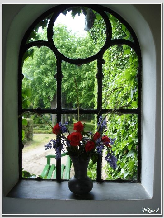 Die Fischerkirche in Arnis: ......und von innen