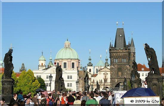Karlsbrücke mit Altstädter Brückenturm und Kreuzherrenkirche