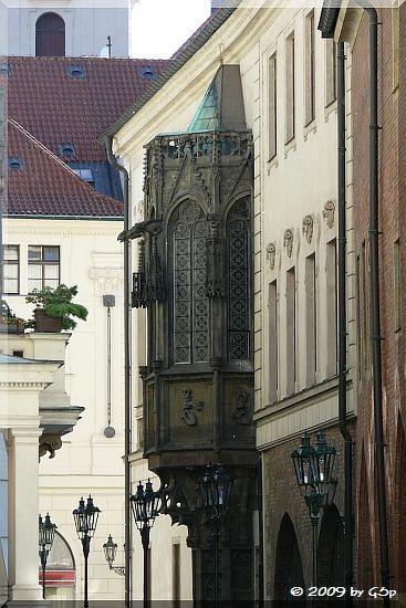 Der gotische Erker am Carolinum