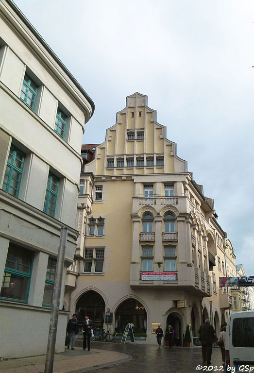 Eckhaus Schloß-Puschkinstraße