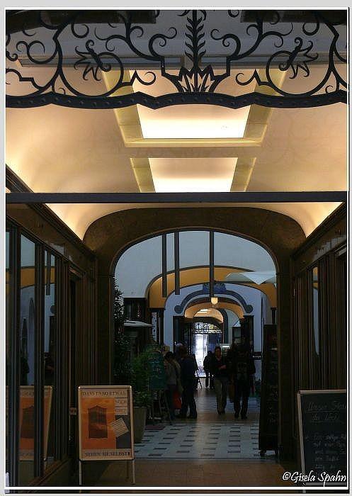 Passagengang im Messehaus Specks Hof