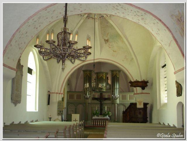 In der Kirche von Sieseby (Feldsteinkirche aus dem Jahr 1200)