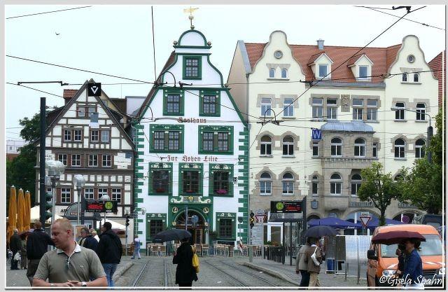 Domplatz: Haus zur Hohen Lilie (erbaut um 1300)