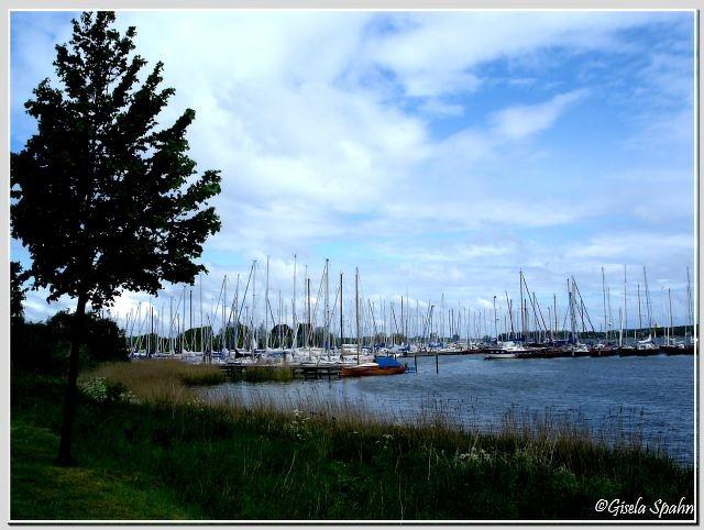 Dier Yachthafen in Arnis (auch hier gelegentlicher Drehort)