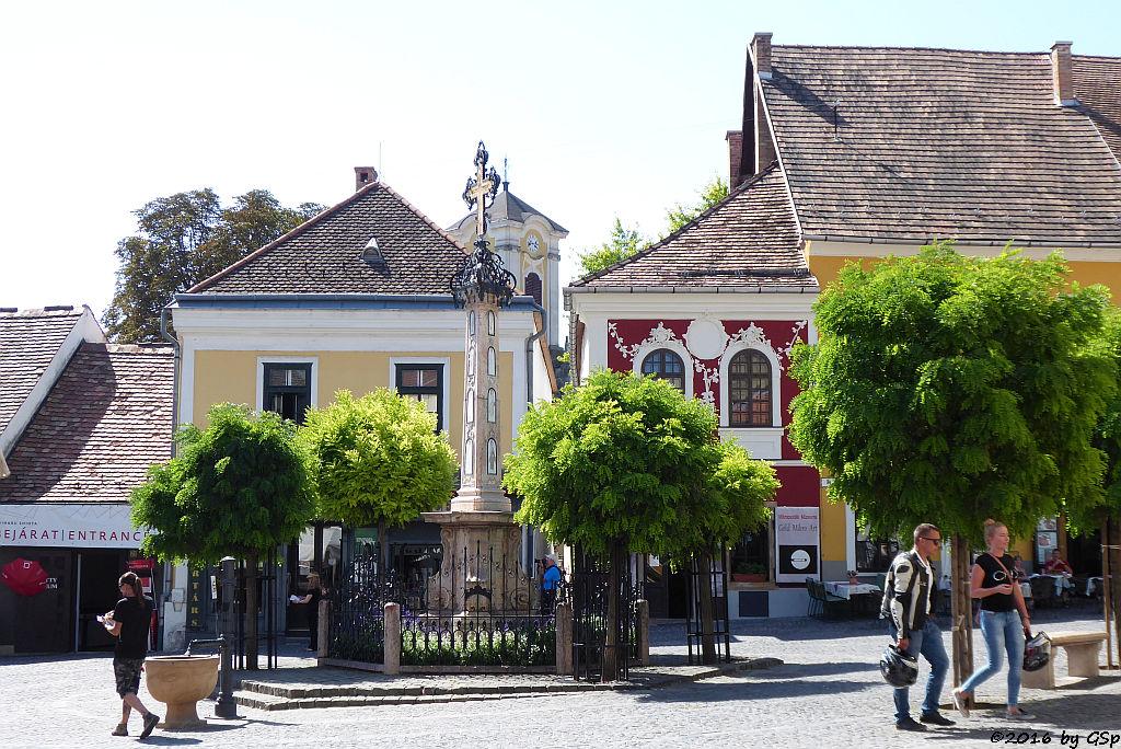 Pestsäule auf dem Fö tér (Hauptplatz)
