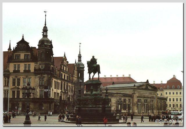 Schloss, Reiterdenkmal König Johanns, Schinkelwache
