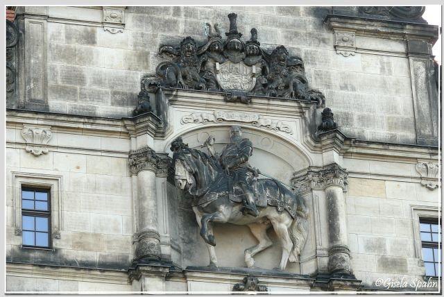 Reiterstandbild Herzog Georg des Bärtigen am Georgenbau (Georgentor)