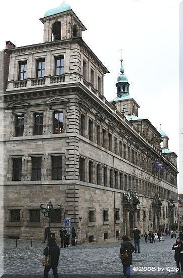 Rathaus: Westfassade
