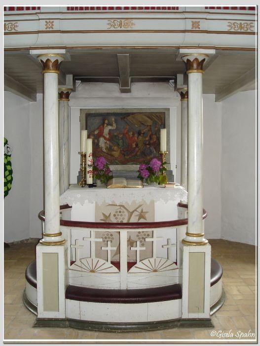 In der Fischerkirche in Arnis: Der Altar