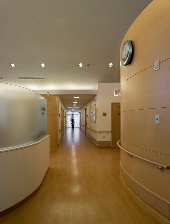 清潔感のある明るい廊下
