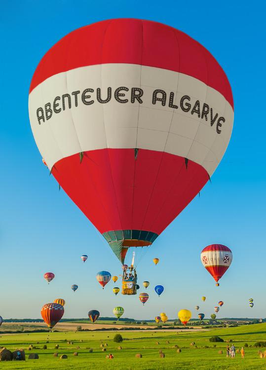 Algarve und Portugal Magazin,Informationen über die Algarve von Porugal mit Restaurantes,Cafés,Bares,Snack-bares,Hotels,Immobilien,Freizeit,alles in 20 Schprachen.