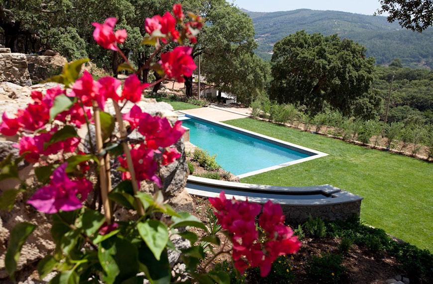Hotel Vila Foia in Monchique,Algarve,Portugal mit einem perfektem Blick zum Garten und Pool,beste Hotel in Monchique und Algarve.