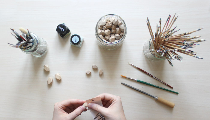 Schleifen von geometrischen Holzperlen Belle Accessoires