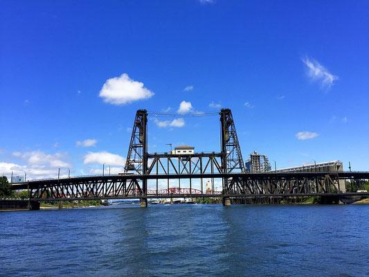 Hawthorne Bridge Portland Oregon