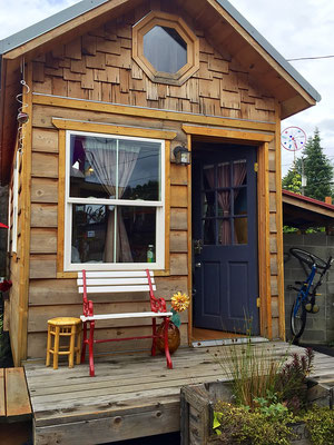 kangablue tiny house entrance caravan tiny house hotel