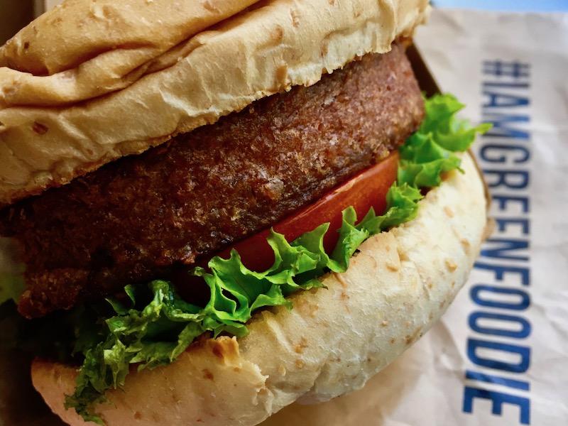 burger at green common