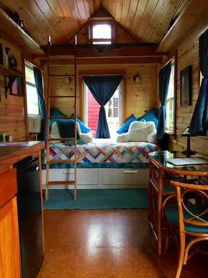 tandem tiny house bed  caravan tiny house hotel