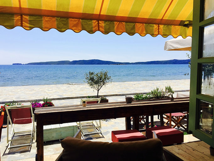 oceanview aplo bistro gialova greece