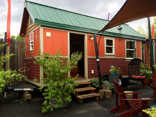tandem tiny house  caravan tiny house hotel