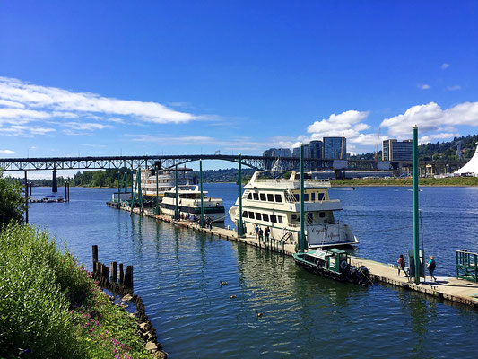 boat dock on the Willamette River in Portland Oregon