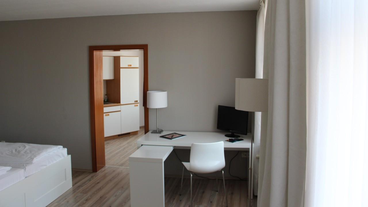 Komfort Apartment Schreibtisch - Beispiel