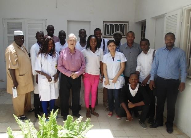 L'équipe de l'Hopital Principal de Dakar avec la Direction de Batisup