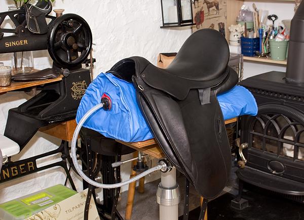 EQUIscan Horseback simulator