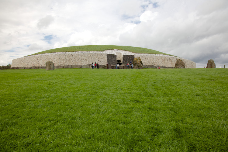 Neolithic passage grave, Newgrange, Boyne Valley, County Meath